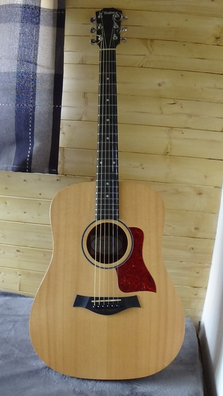 guitar 004